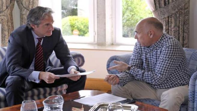 El alcalde se reúne con el presidente del Racing, Manolo Higuera