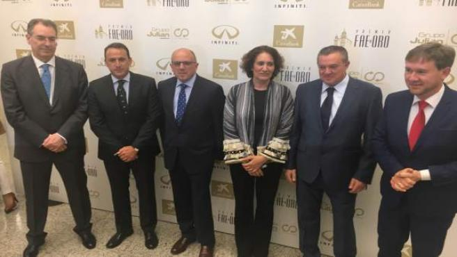Autoridades en la entrega de los Premios FAE de Oro,