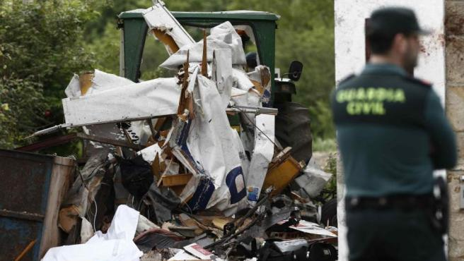 Lugar del accidente donde una avioneta se ha estrellado en Arbizu (Pamplona).