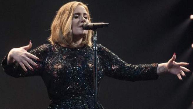 La cantante británica Adele, durante uno de los conciertos de su gira actual.
