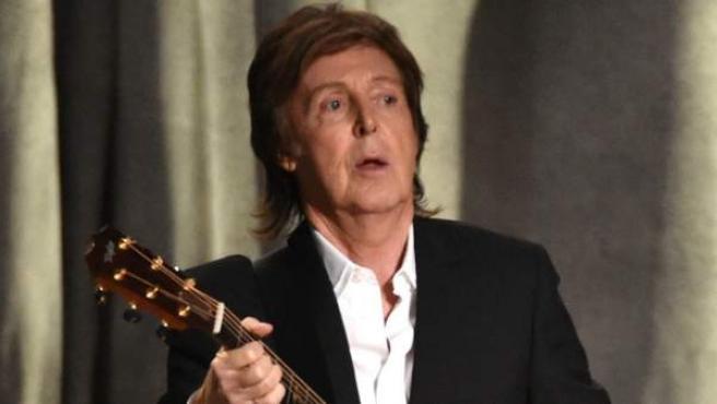 Paul McCartney, durante su actuación en la gala de los premios Grammy de 2015.