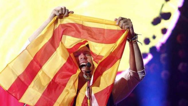 El líder de Coldplay, Chris Martin, durante el concierto en Barcelona.
