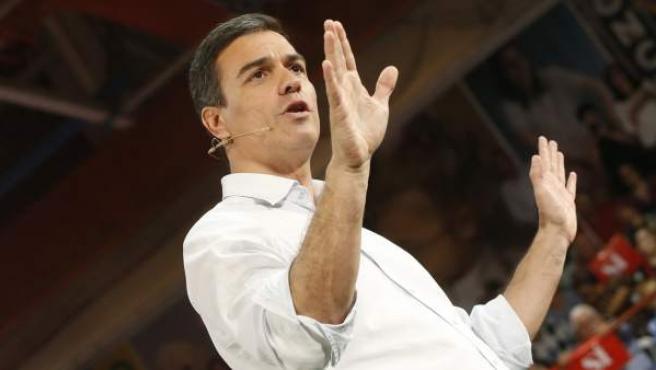 El secretario general del PSOE, durante su intervención para presentar las candidaturas con las que los socialistas concurren al 26-J.