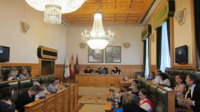 La sesión plenaria del Ayuntamiento de Santiago