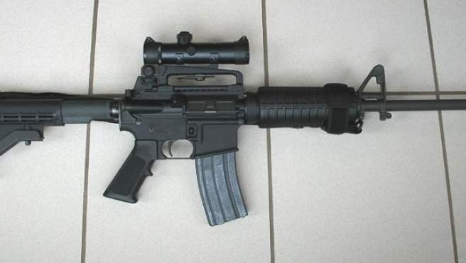 Una imagen del rifle AR-15 de la firma Colt, con el que se perpetró la matanza de Orlando.