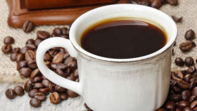 Una taza de café.