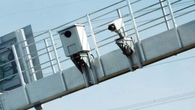 El número de radares fijos ascienden a unos 600 por toda España.