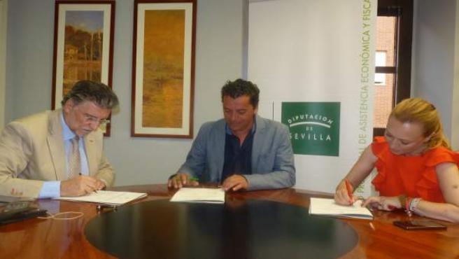 Firma de acuerdo entre la Diputación de Sevilla y San Nicolás del Puerto