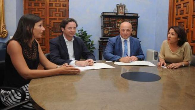 Firma de convenio entre la Diputación de Córdoba y Ecovidrio