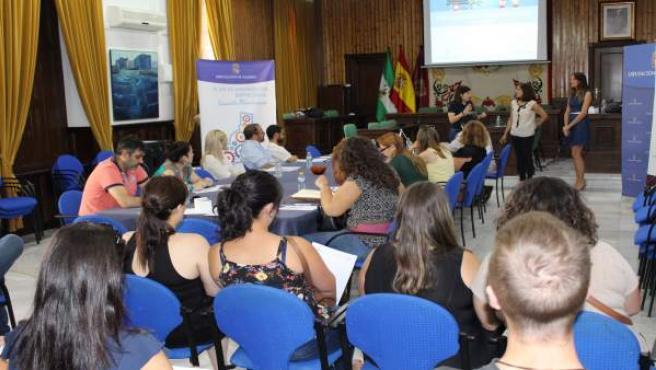 Unas 40 personas han participado en los talleres de presencia online.