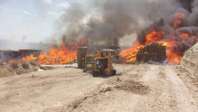 Incendio en una granja en Totana