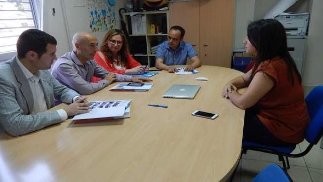 Visita de Antonio Hurtado (PSOE) a Asociación Autismo