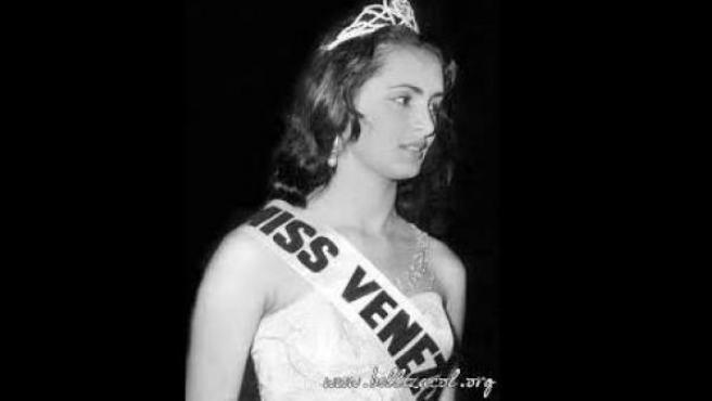 La Miss Mundo venezolana Susana Duijm fue coronada en 1955.