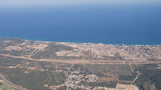Vista aérea de Miami Playa, en la costa de Tarragona.