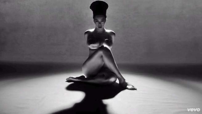 La cantante Beyoncé, en el videoclip de 'Sorry'.
