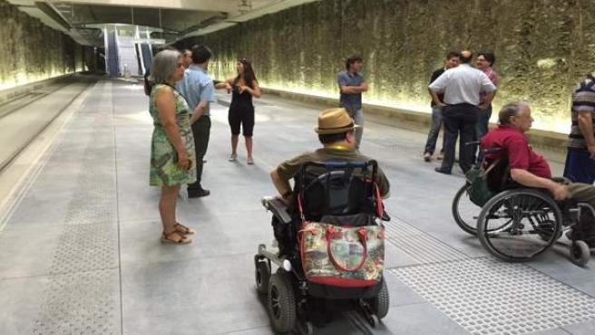 La Comisión Municipal de Accesibilidad del de Granada visita el metro