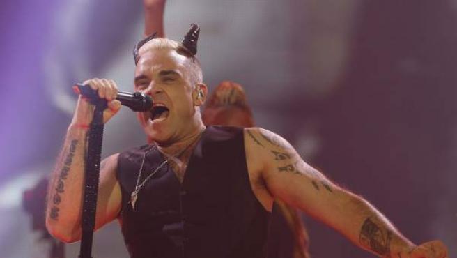 El cantante británico Robbie Williams durante un concierto en el Barclaycard Center, en Madrid.