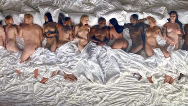 Fotograma del videoclip 'Famous', de Kanye West.