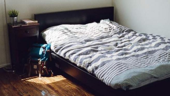 Una encuesta reciente señalaba a los hombres solteros como los más reacios a limpiar sus sábanas.
