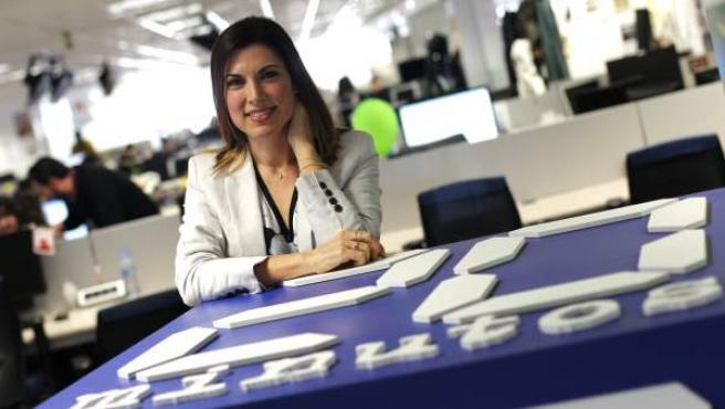 La escritora y bloguera Isasaweis, en la redacción de 20minutos.