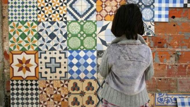 Varios ejemplos de mosaico hidráulico con motivos clásicos.