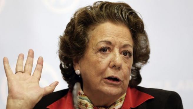 La exalcaldesa de Valencia y senadora Rita Barberá, en una comparecencia ante los medios de comunicación en la sede del PPCV.