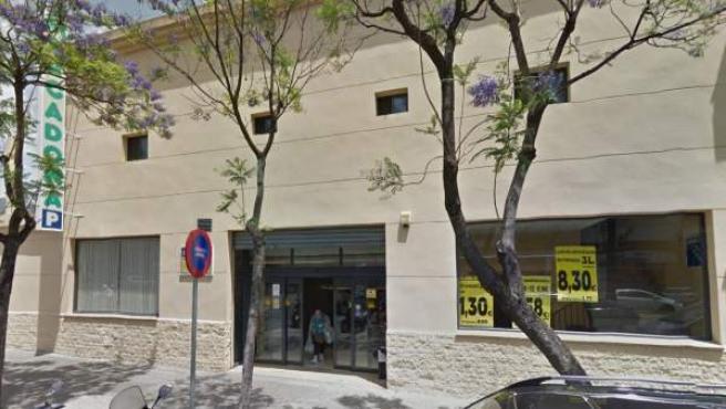 La empresa Mercadona ha despedido a dos trabajadores por comerse un producto de 15 céntimos, en Jerez de la Frontera.