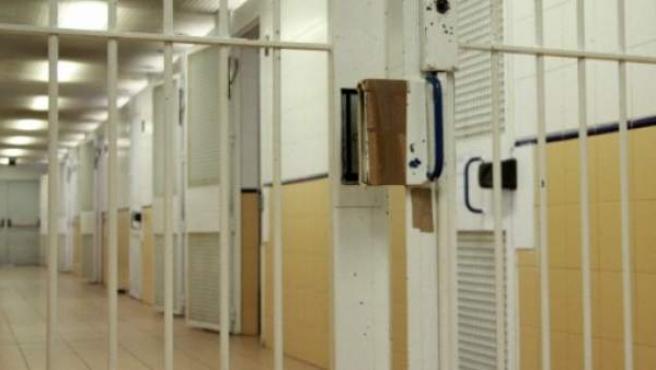 Celdas del Centro de Internamiento de Extranjeros (CIE) de Barcelona, situado en la Zona Franca.
