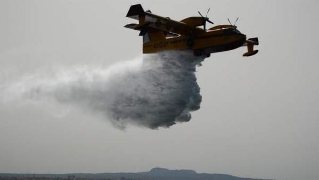 Simulacro aviones anfibios