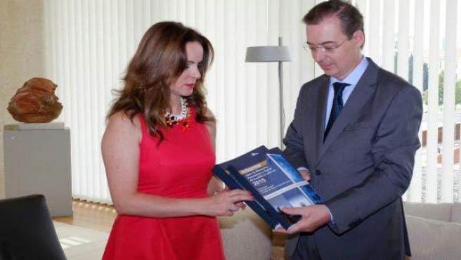 Nota De Prensa Y Fotos Entrega Informe CES A Las Cortes De Castilla Y León