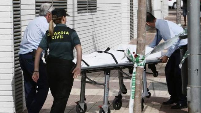 Presunto asesinato machista en la calle La Ilustración, en Benicàssim.