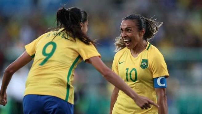 Brasil se estrena en Río 2016 con un 3-0 ante China en fútbol femenino.