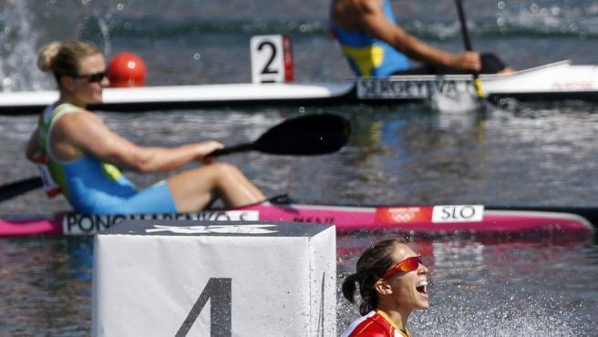 María Teresa Portela Rivas es una deportista gallega que compite en piragüismo en la modalidad de aguas tranquilas, ganadora de catorce medallas en el Campeonato Mundial de Piragüismo entre los años 2001 y 2015 y diecisiete medallas en el Campeonato Europeo de Piragüismo entre los años 2001 y 2013. En Río 2016 participará en sus quintos Juegos Olímpicos en busca de una medalla que se le ha resistido en las cuatro ocasiones anteriores (Sídney, Atenas, Pekín y Londres).