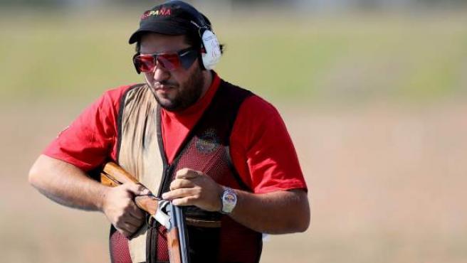 El tirador español Alberto Fernández en la prueba clasificatoria de tiro en el Centro Olímpico de Tiro de los Juegos Olímpicos Río 2016 en Río de Janeiro.