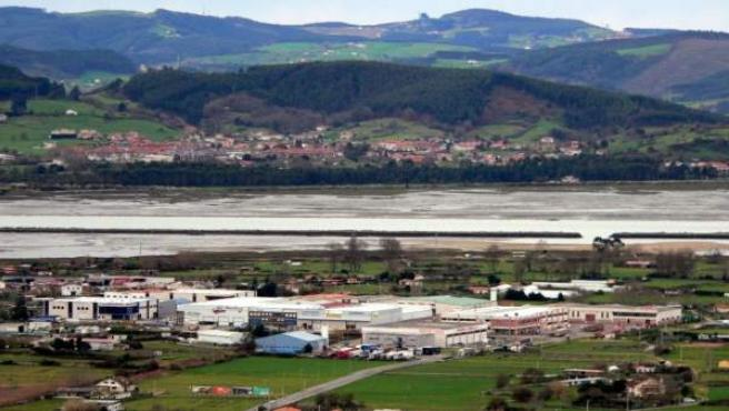 Empresas En Un Polígono Industrial En Laredo (Cantabria)