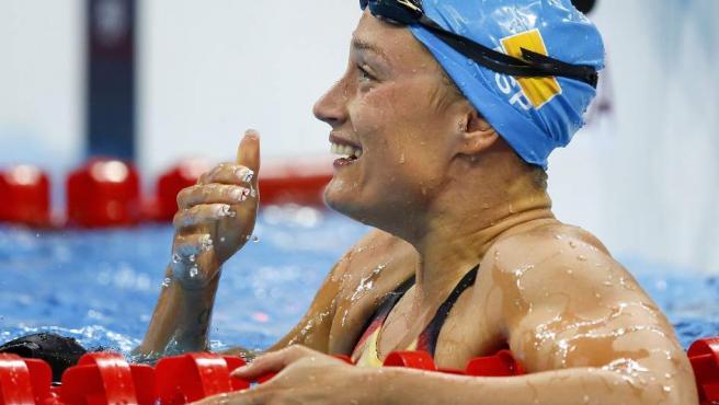 Mireia Belmonte, emocionada tras su oro en los 200 metros mariposa en los Juegos de Río.