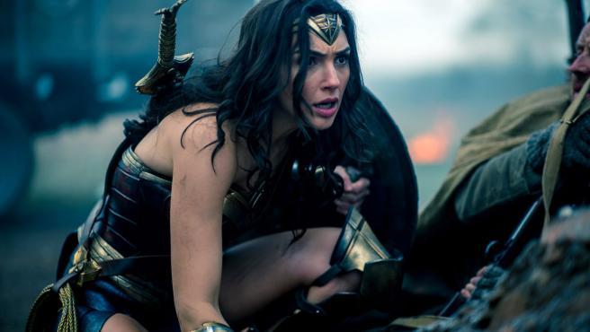 """¿Es 'Wonder Woman' """"otro desastre"""" de DC y Warner?"""