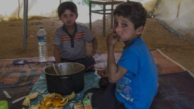 """Mudafar y Ahmed, los niños iraquíes que necesitan ayuda urgente """"o morirán"""", según se explicaba en la petición Change.org que fimaron más de 200 mil personas."""