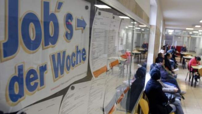 Imagen de un tablón de anuncios en una oficina de empleo en Alemania.