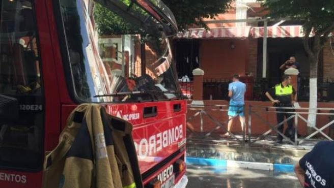 Incendio en pub Nacional de Lanjarón provocado por un hombre de 54 años con una garrafa de gasolina. El autor prendió fuego al local porque le molestaba el ruido.