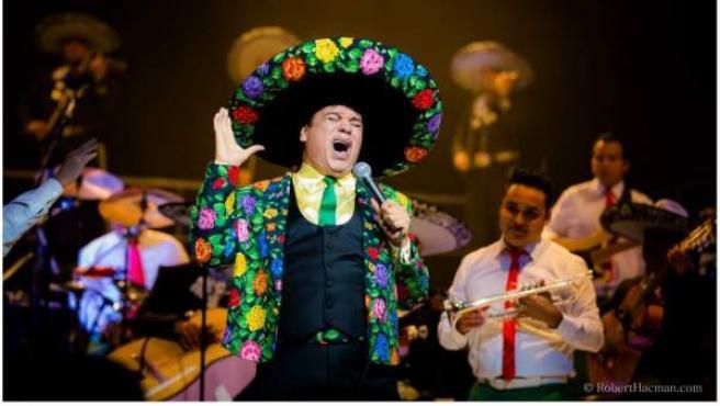 JuanGa, como se le conocía, era una de las estrellas musicales más importantes de México y conocido en España por ser el padrino de Rocío Dúrcal en México. El artista falleció dos días después de dar su último concierto en el Fórum de Los Ángeles, en el que rindió homenaje a Rocío Dúrcal.