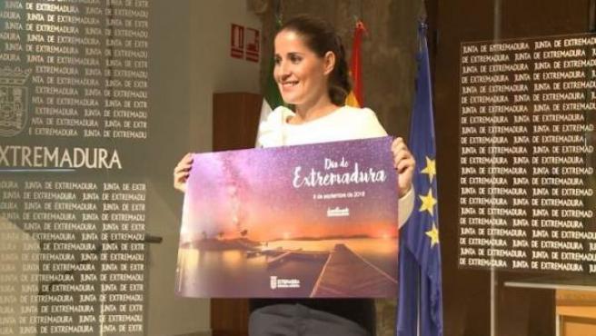 Isabel Gil Rosiña en la presentación de los actos del Día de Extremadura