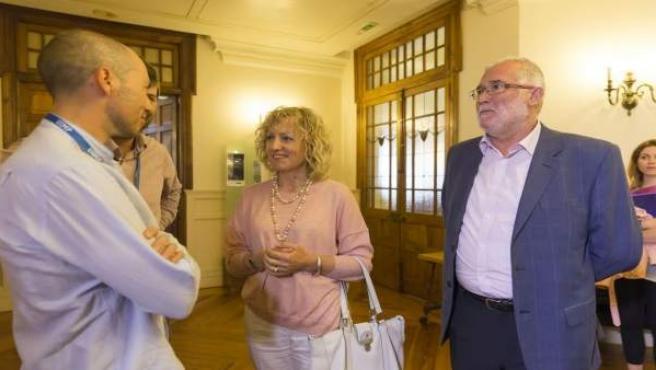 Rosa Eva Díaz Tezanos, acompañada de Ramón Ruiz, en la UIMP