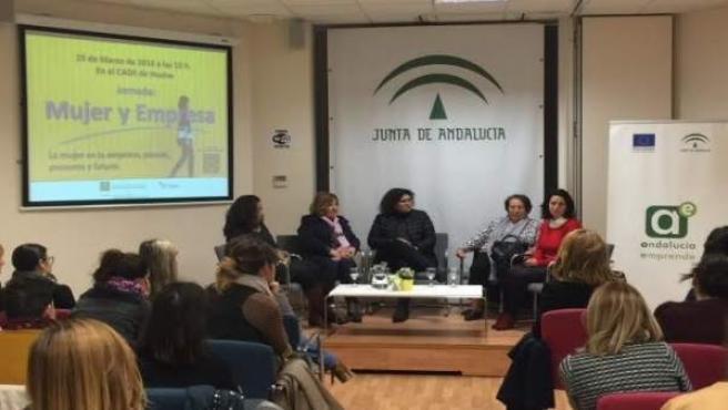 Jornadas de mujeres emprendedoras en el CADE de Huelva.