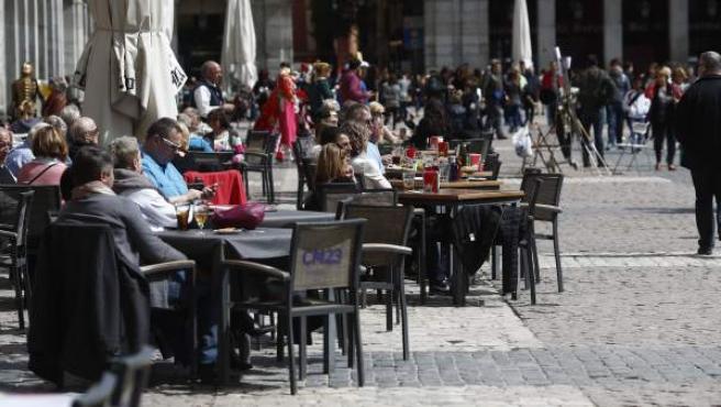 Terraza de un restaurante en la Plaza Mayor de Madrid.