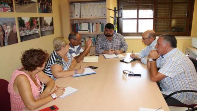 Manuel Carmona y Vicente Palomares con representantes de UGT