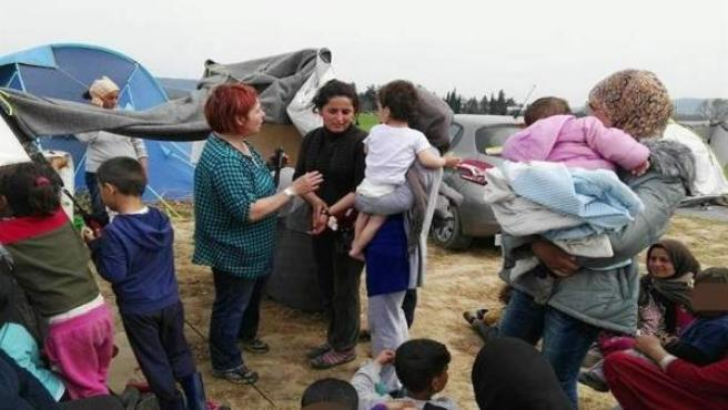 Refugiados sirios en un campo de Grecia