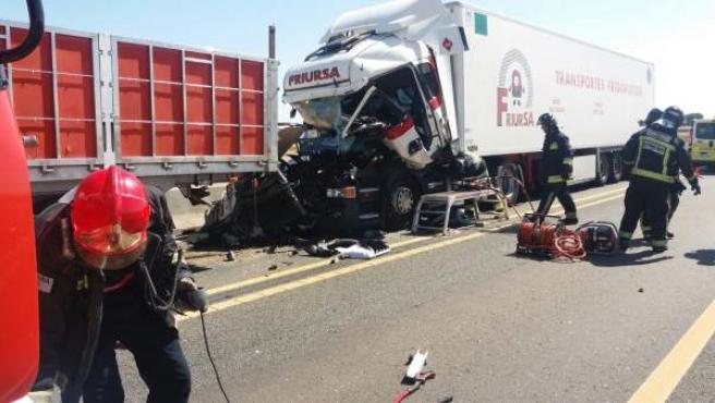 Estado en el que ha quedado uno de los camiones implicados en el accidente.