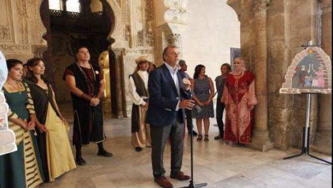 El presidente de las Cortes, Antonio Cosculluela, ha presentado La Morisma.