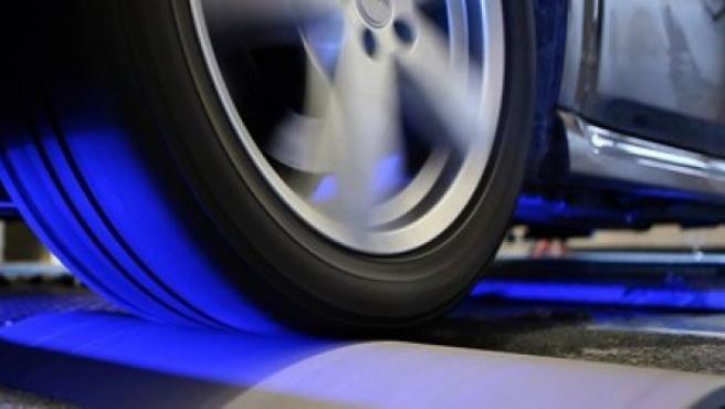 Un banco dinamométrico es un equipo de diagnóstico para la simulación de las sobrecargas del motor durante el movimiento de un vehículo.